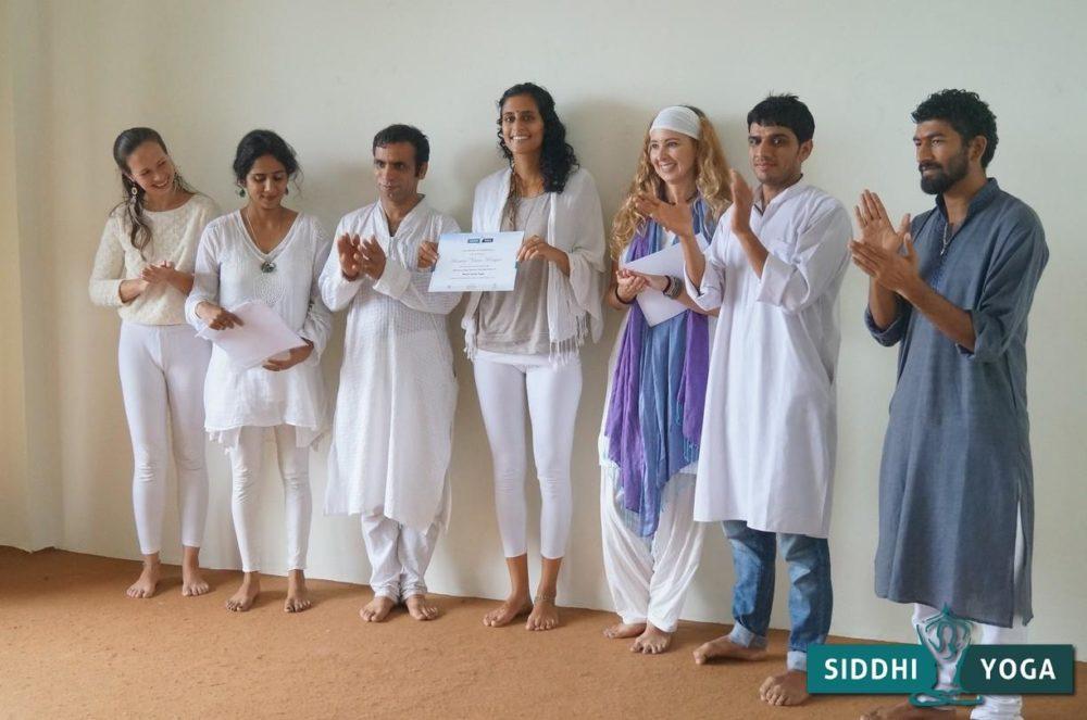 Closing Ceremony der Yogalehrer Ausbildung in Indien