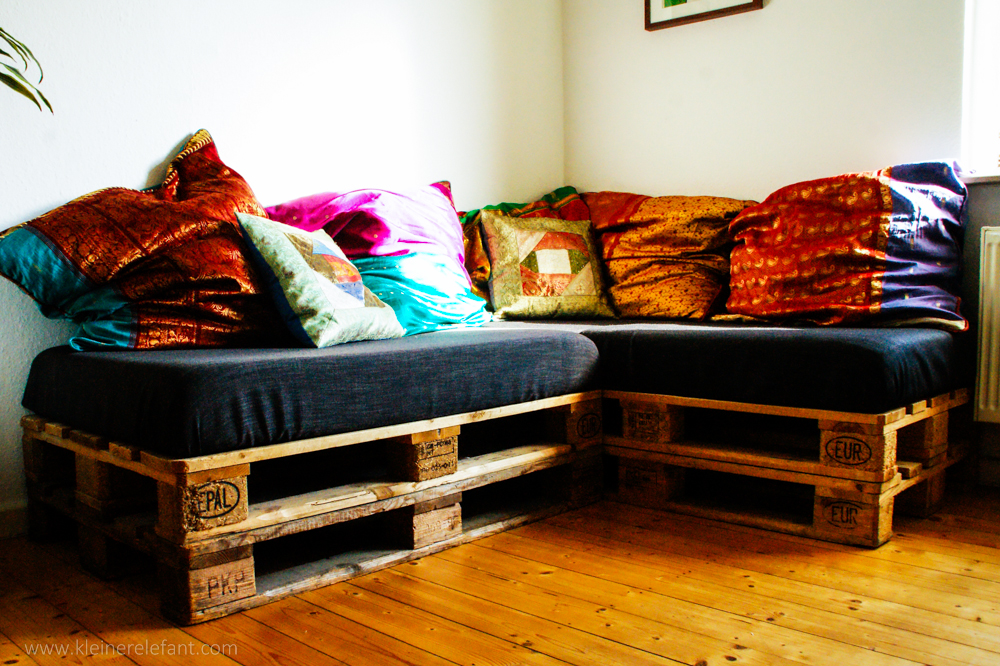 upcycling palettensofa ein sofa aus europaletten. Black Bedroom Furniture Sets. Home Design Ideas