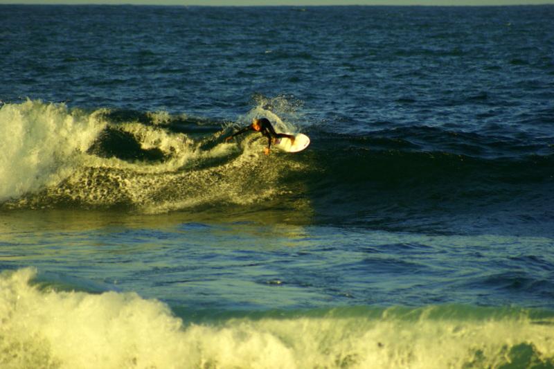 Ein Surfer in Famara.