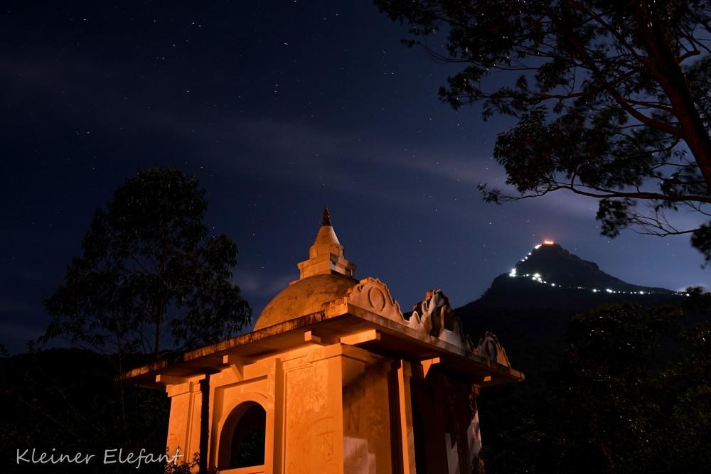 Der Adam's Peak bei Nacht