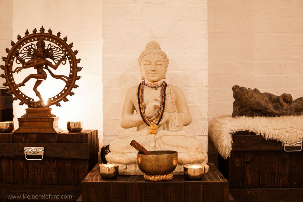Buddha Altar im Yogaloft Köln