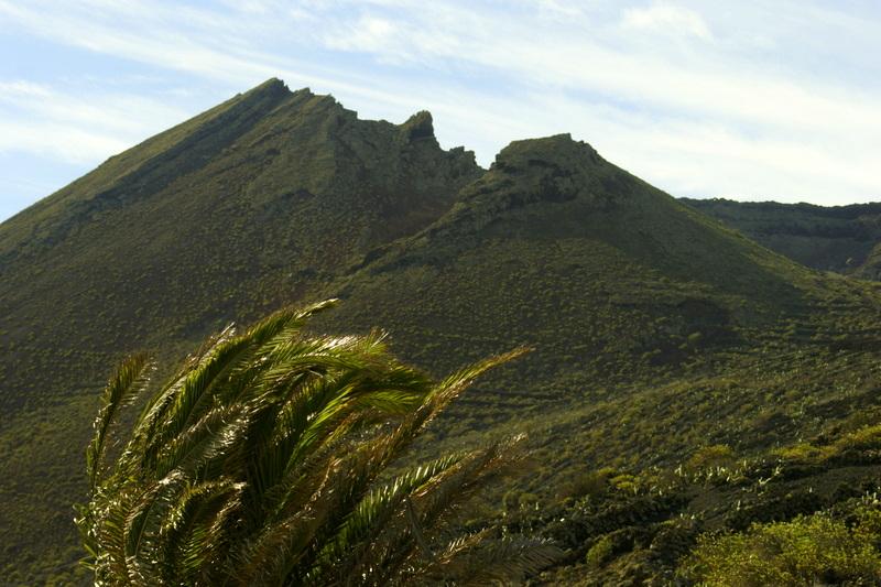 Der Monte Corona mit seiner kronenförmig abgebrochenen Spitze.