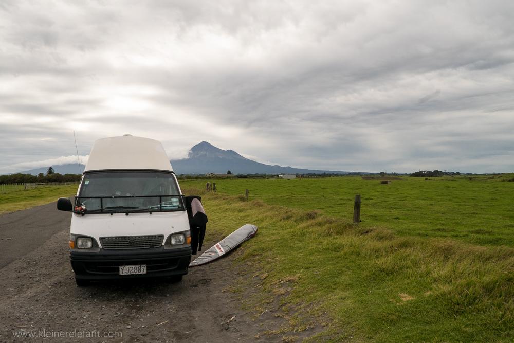 Campen mit Blick auf den Mount Taranaki