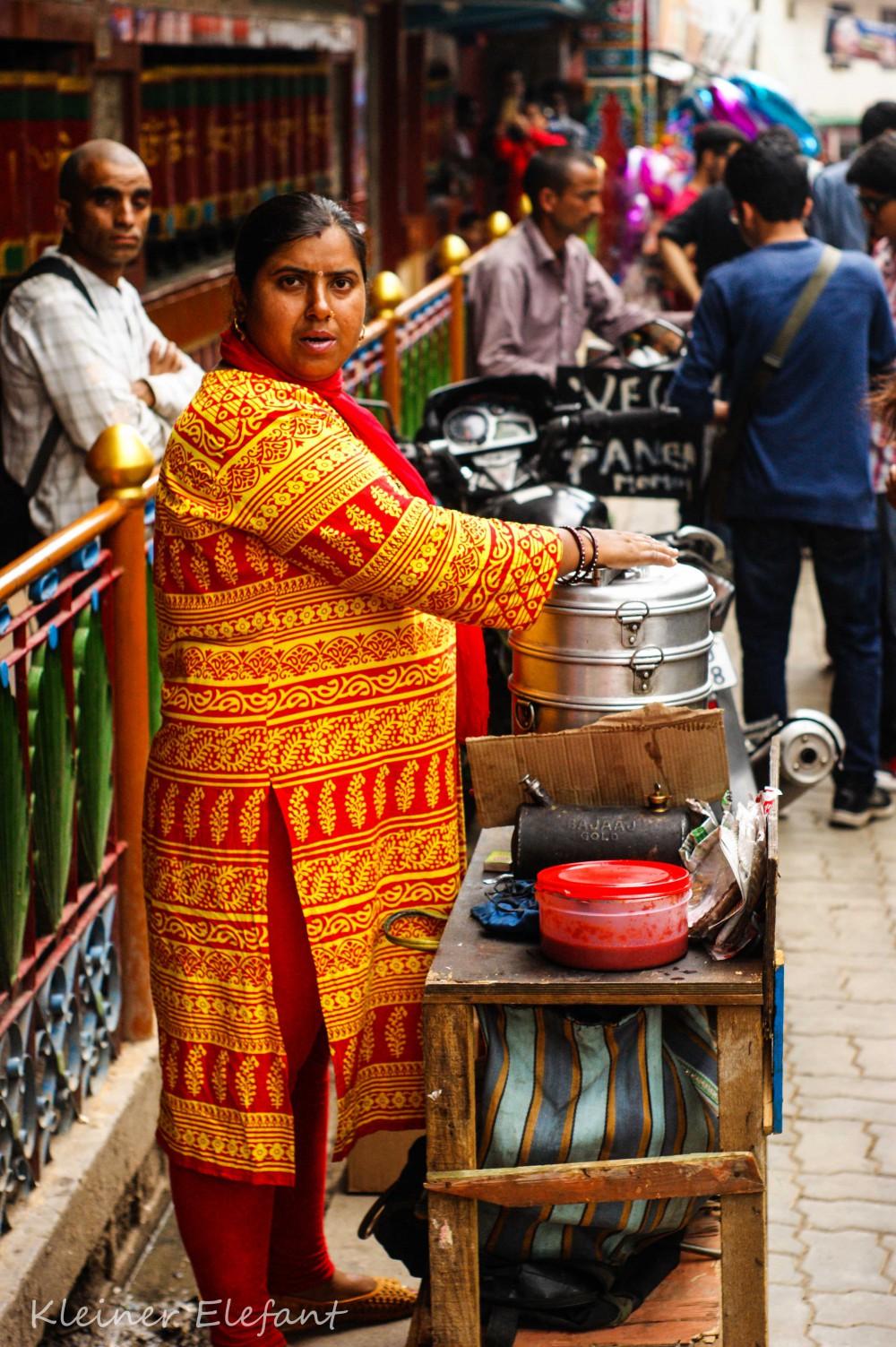 Momo Verkäuferin Dharamsala