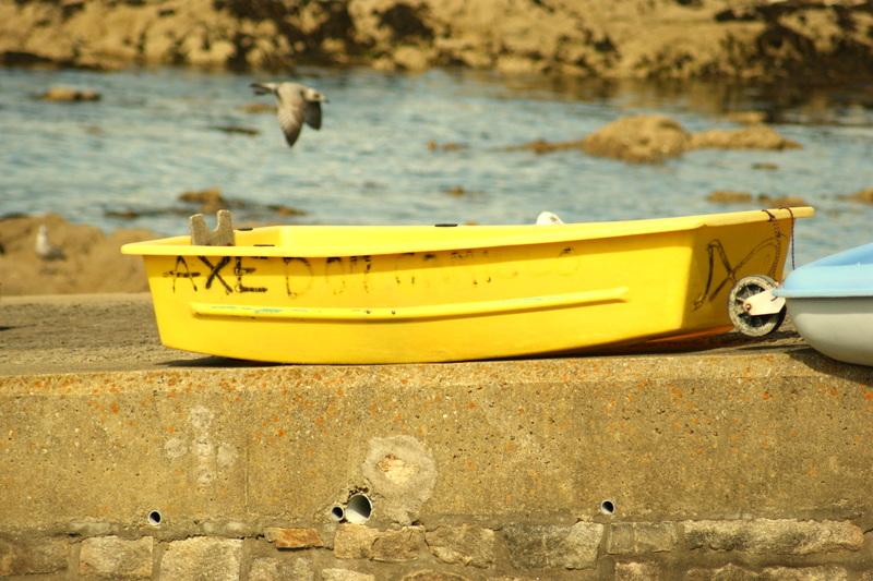 gelbes Boot Portivy