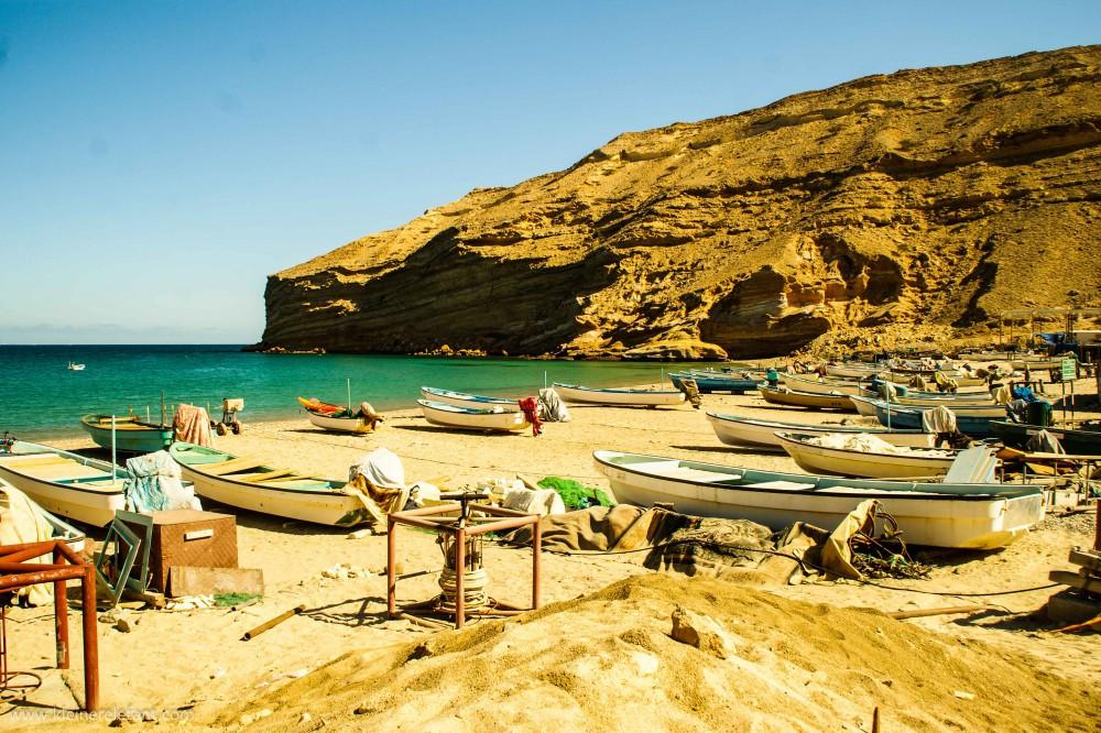 Boote am Strand von Oman