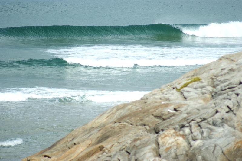 Wellen an Port Rhu.