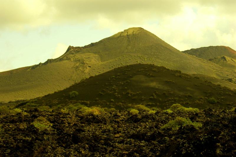 Trostlose Einöde: Der Timanfaya Nationalpark lässt erahnen, was sich hier vor fast 300 Jahren abgespielt hat.