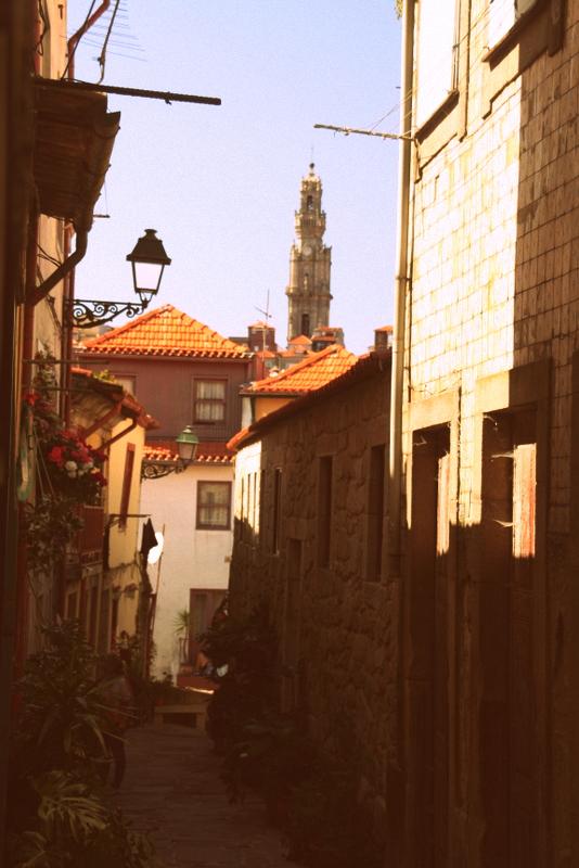 Eine für Porto typische Gasse.