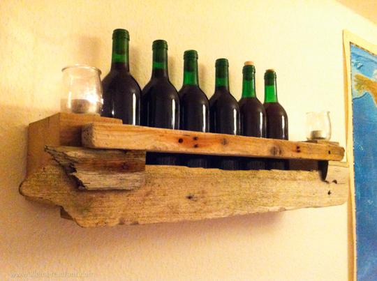 Weinregal aus Treibholz