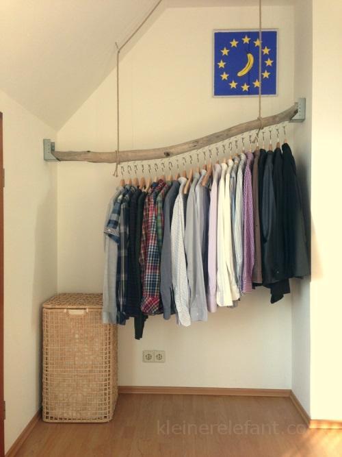 Kleiderstange aus Treibholz.